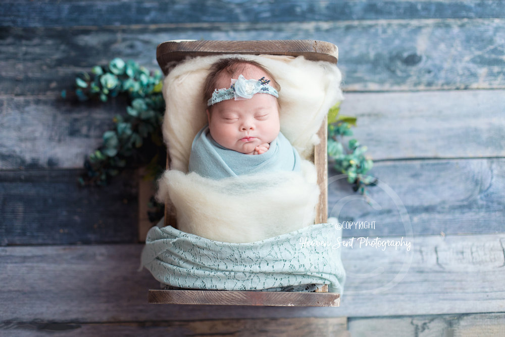 brinley_newborn (1 of 56).jpg