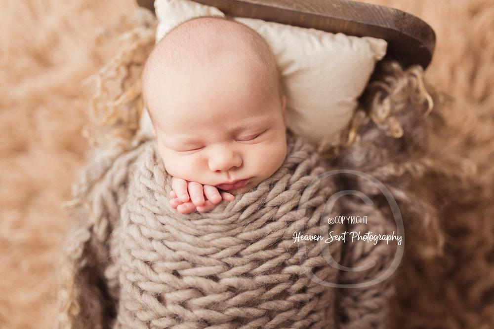 wyatt_newborn (14 of 46).jpg