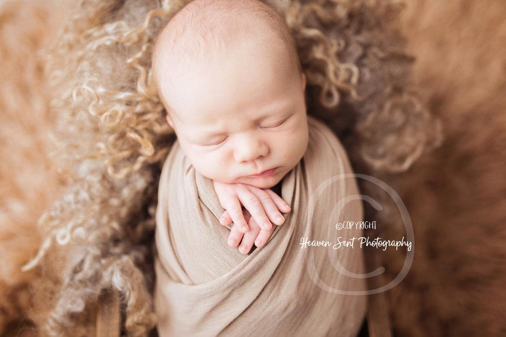 wyatt_newborn (18 of 46).jpg