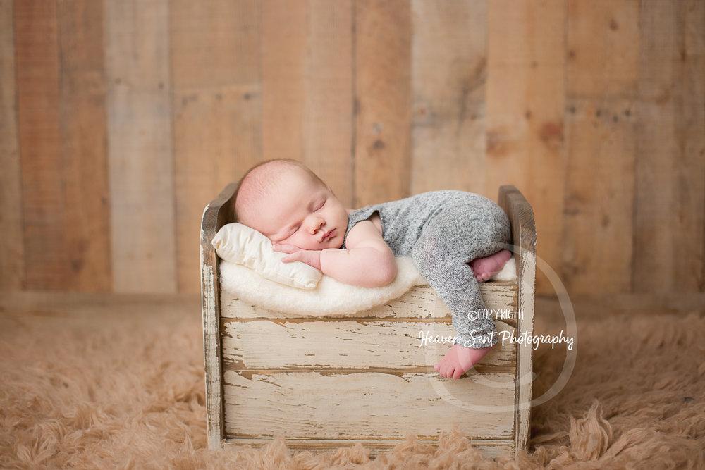 wyatt_newborn (23 of 46).jpg