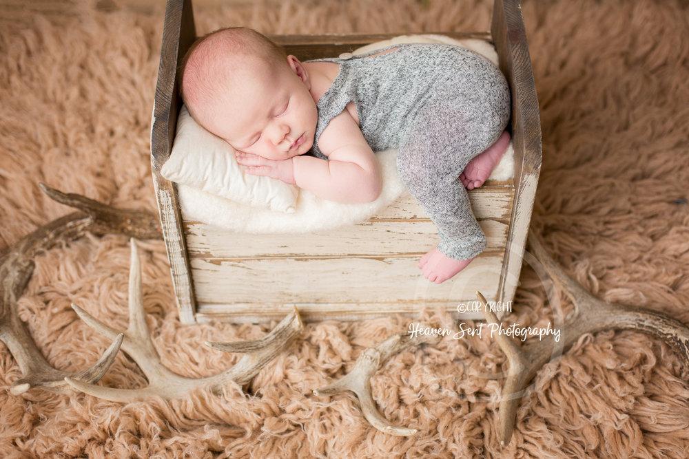 wyatt_newborn (22 of 46).jpg