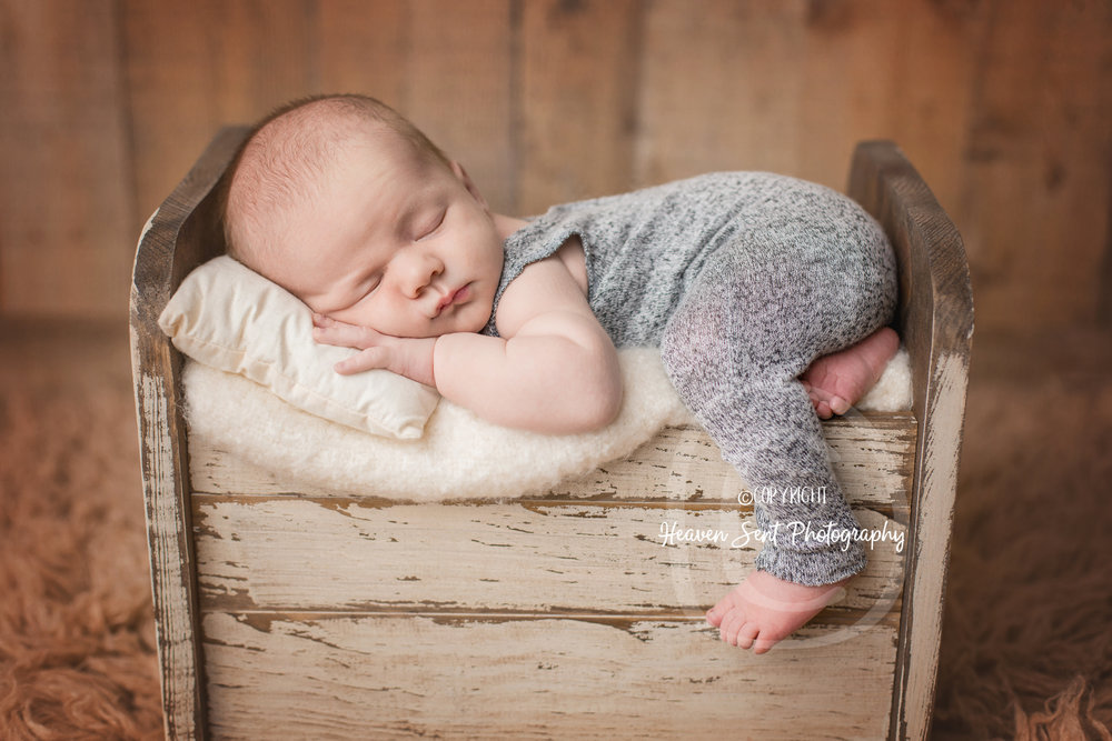wyatt_newborn (24 of 46).jpg