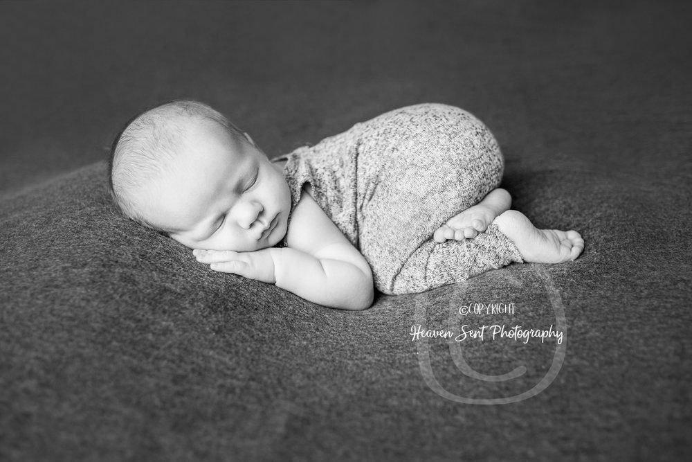 wyatt_newborn (29 of 46).jpg