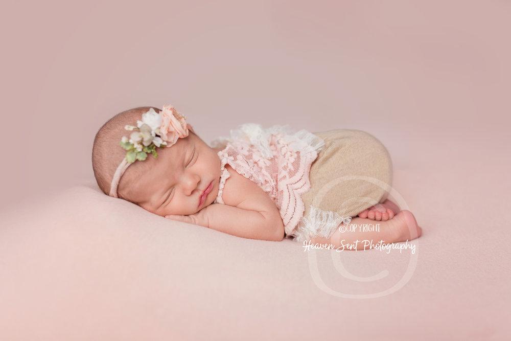 maggie_newborn (34 of 57).jpg