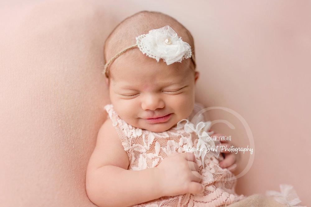 maggie_newborn (42 of 57).jpg