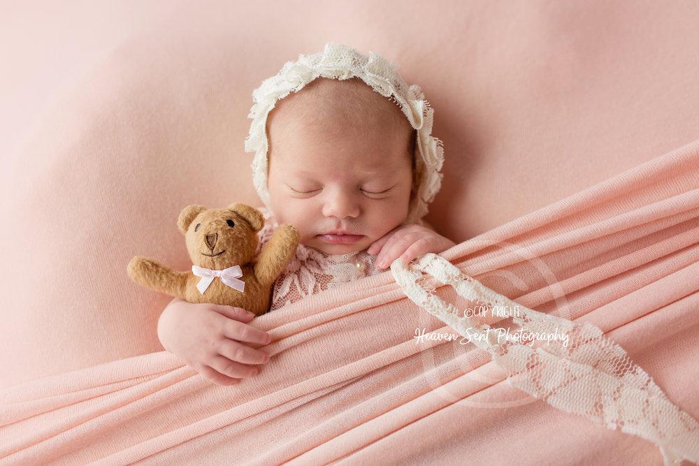 maggie_newborn (46 of 57).jpg