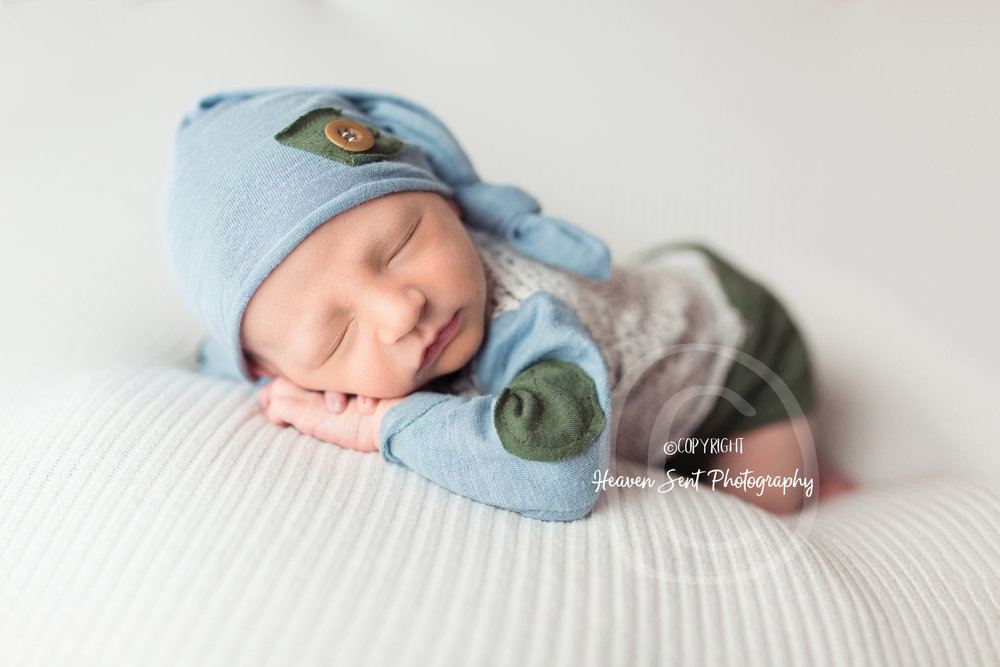 jaxson_newborn (46 of 74).jpg