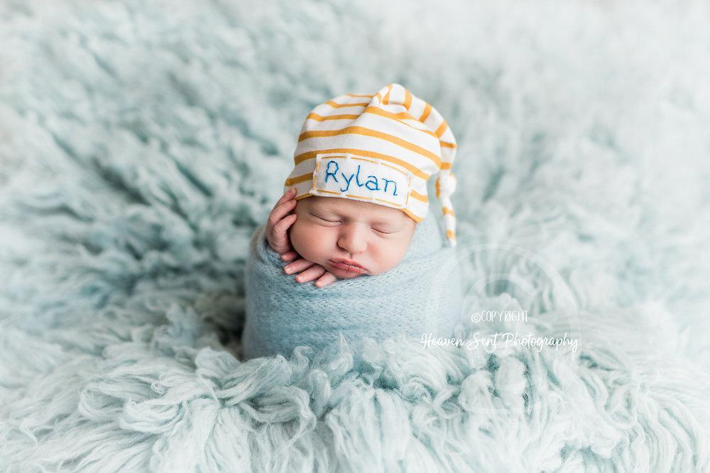 rylan_newborn-6.jpg