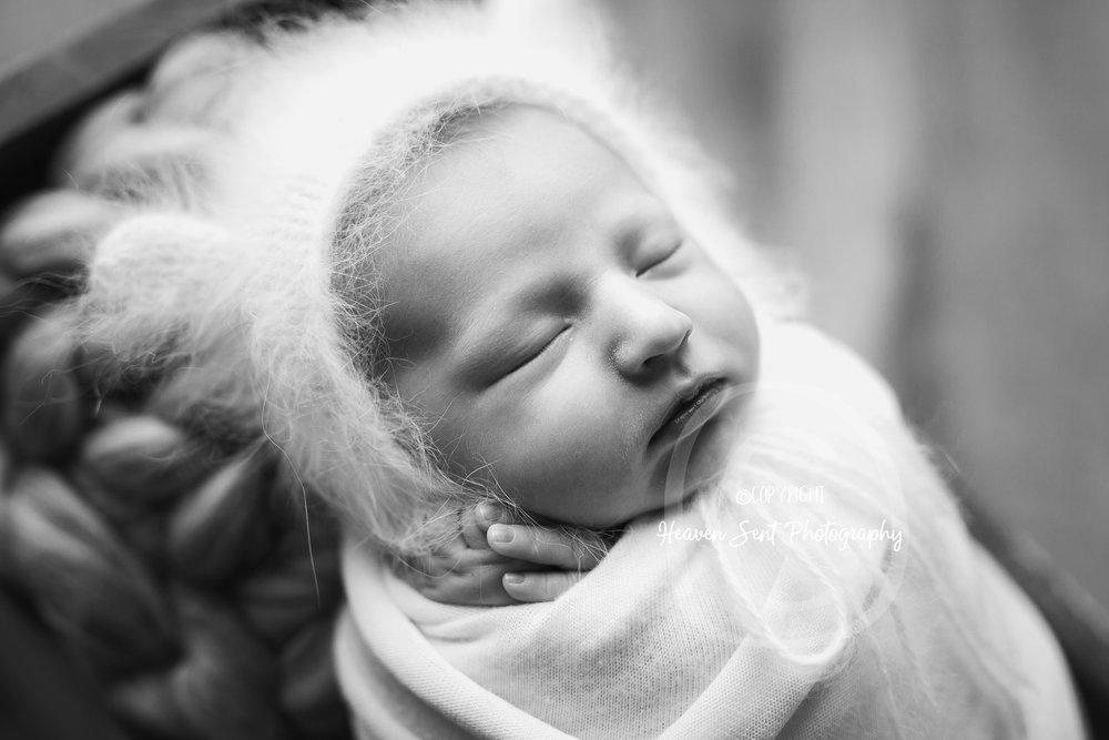 rylan_newborn-19.jpg