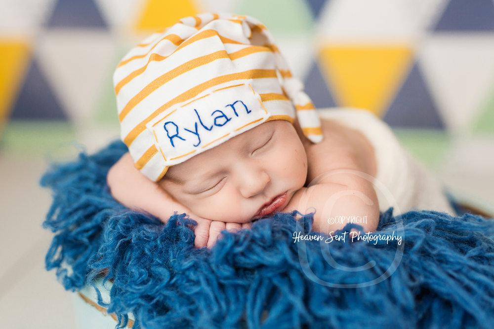 rylan_newborn-34.jpg