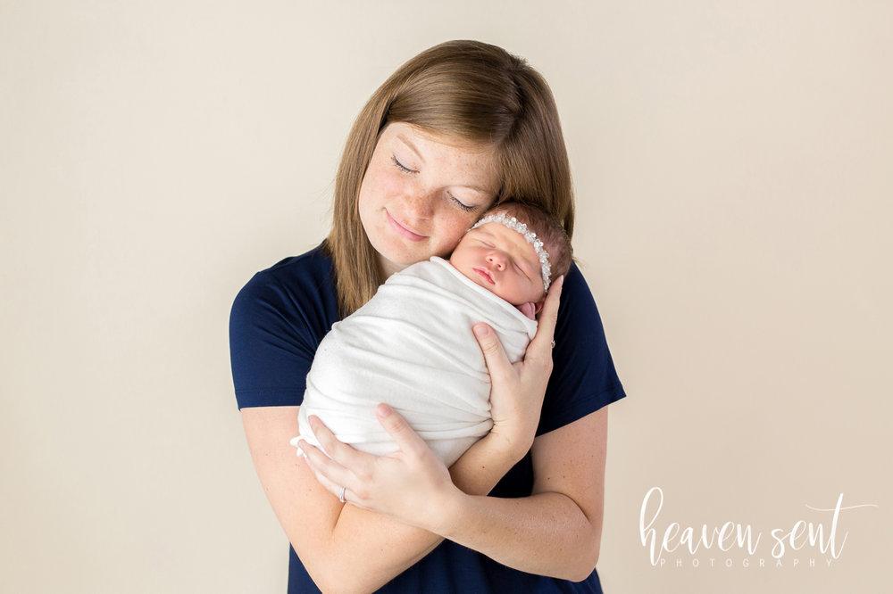 lauren_newborn(34of92).jpg