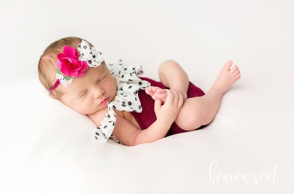 lauren_newborn(89of92).jpg