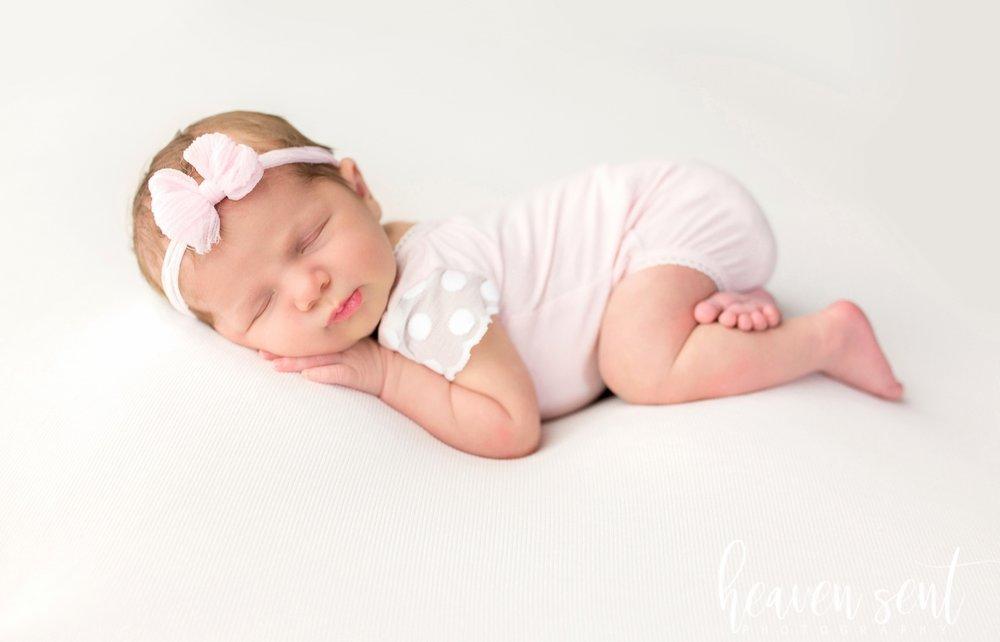 lauren_newborn(81of92).jpg