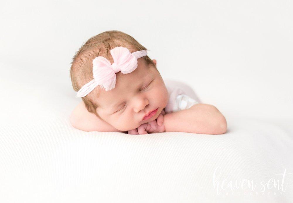lauren_newborn(85of92).jpg