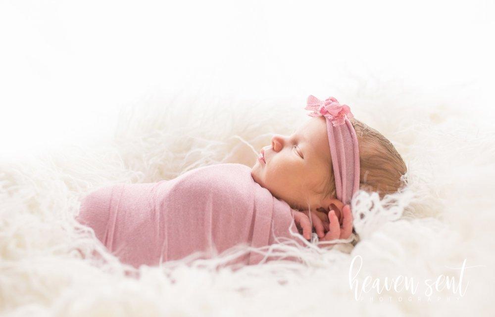 lauren_newborn(48of92).jpg