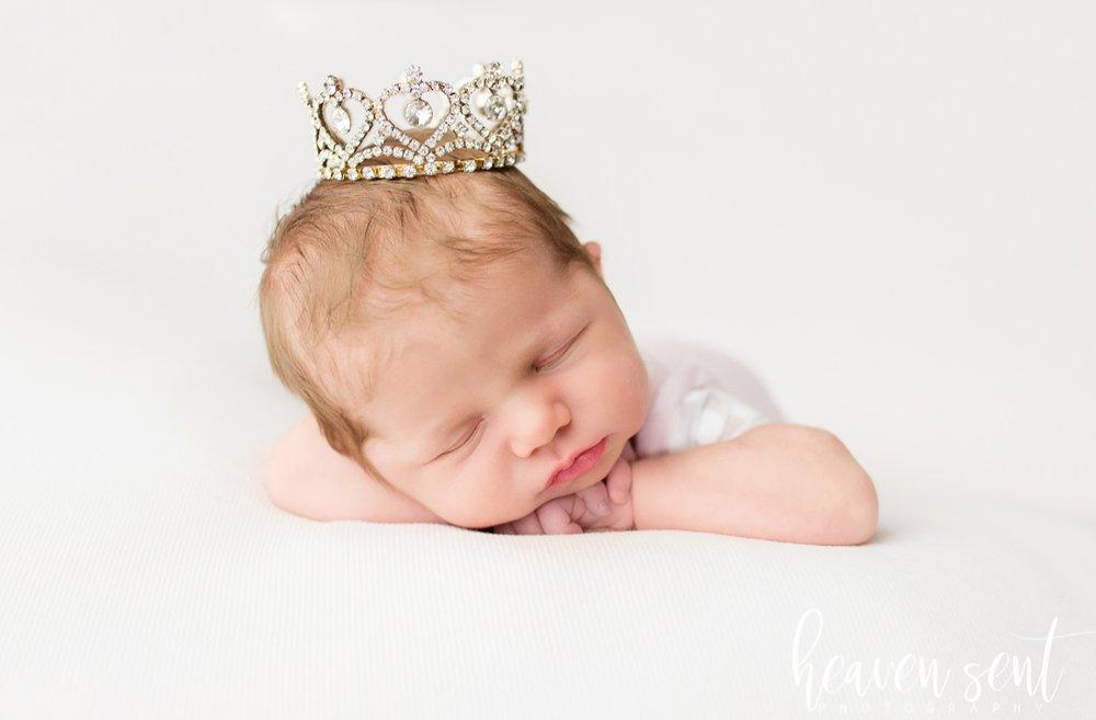 lauren_newborn(86of92).jpg