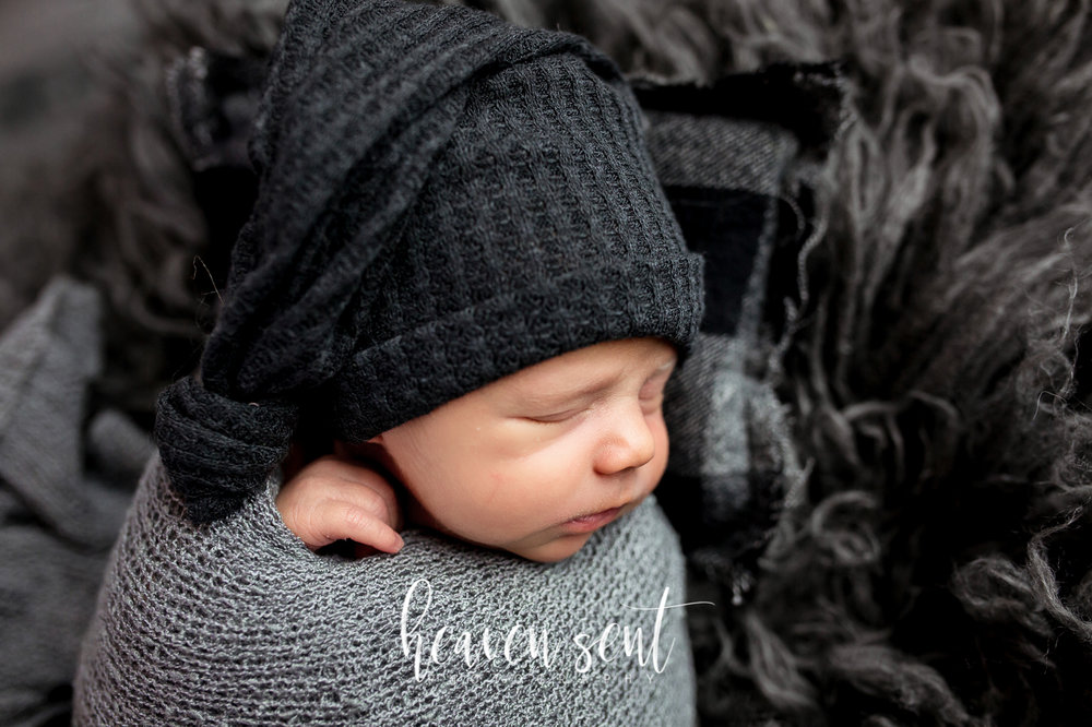 beau_newborn (32 of 84).jpg