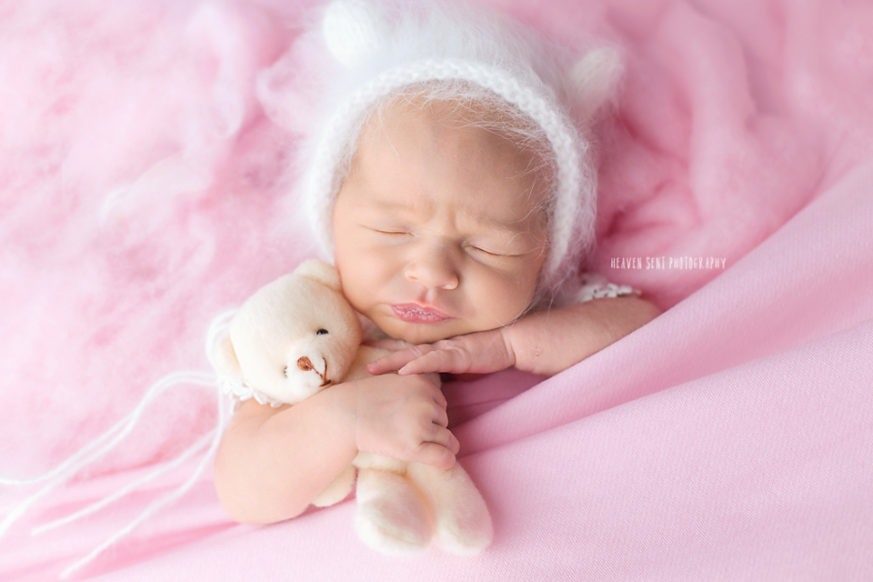 adeline_newborn+(30+of+44)+fbl.jpg