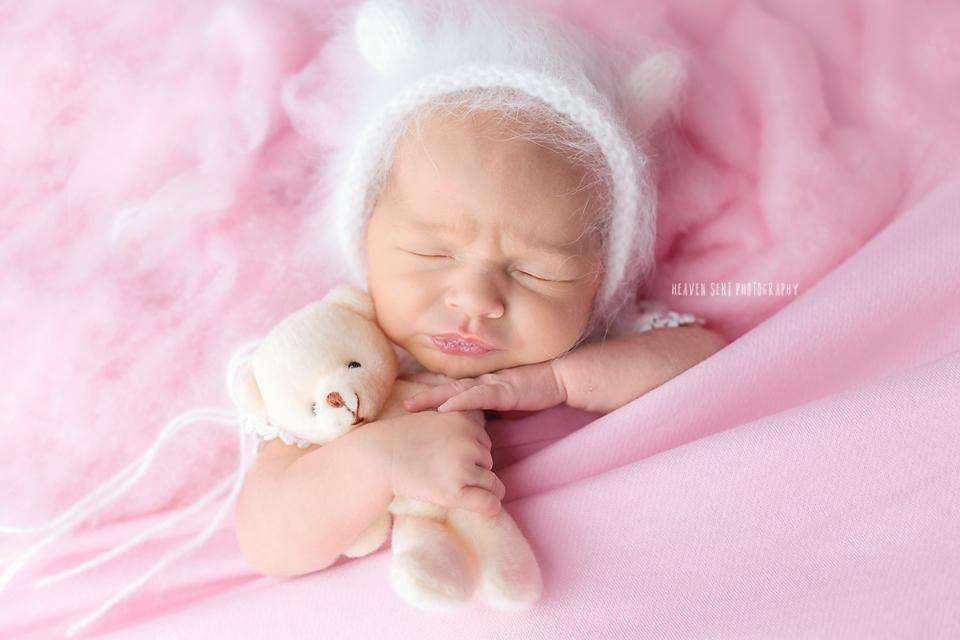adeline_newborn+(30+of+44)+fbl.jpg