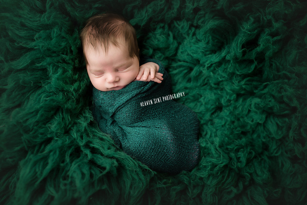 Alex_newborn+(6+of+73)+fbl.jpg