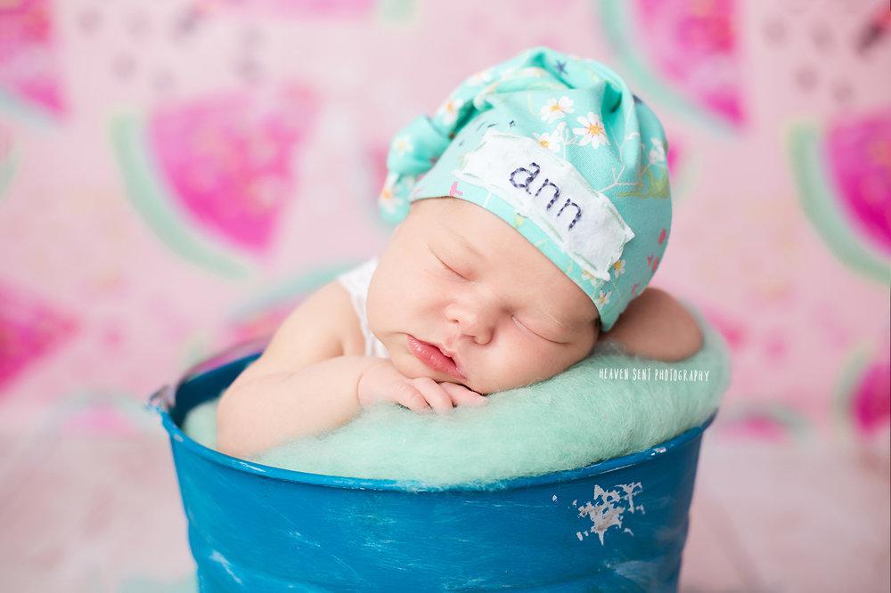 ann_newborn+(29+of+53)+fbl.jpg