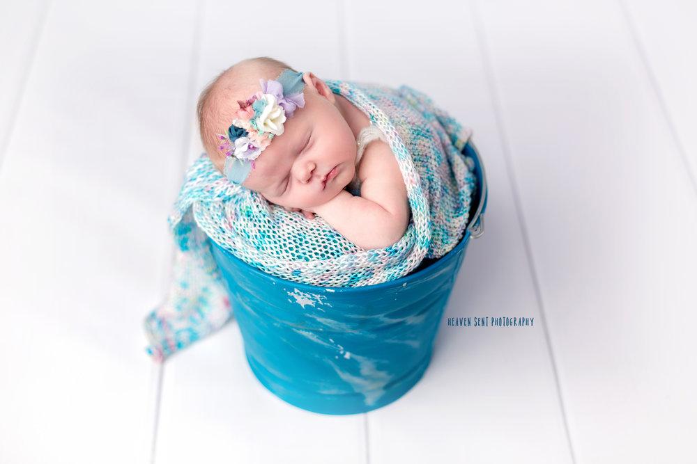 cora_newborn_6142+edit+fbl.jpg