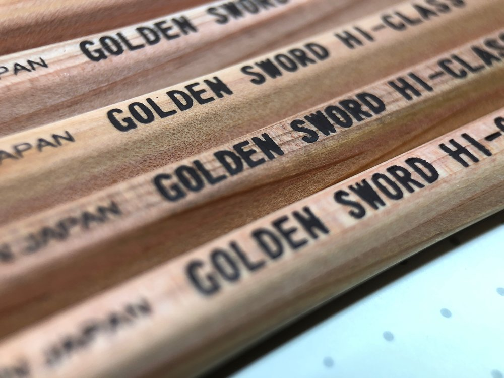 daiso-golden-sword-pencil-14.jpg