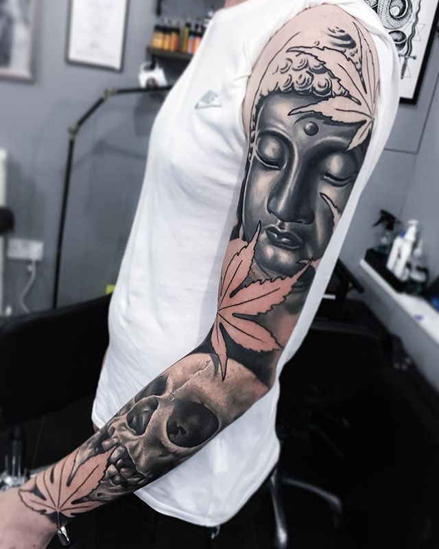 Two sessions in on this sleeve, still a way to go, red to be added to the leaves etc. Top half healed, pretty sweet t-shirt tan on the bottom too! @fivekeystattoo