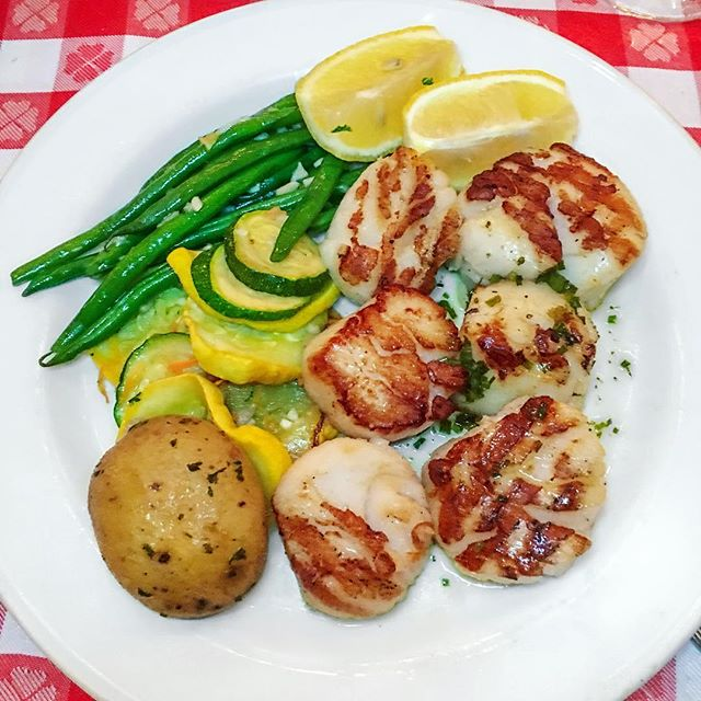 Plump, juicy Maine scallops 👌 grilled to perfection! 😋