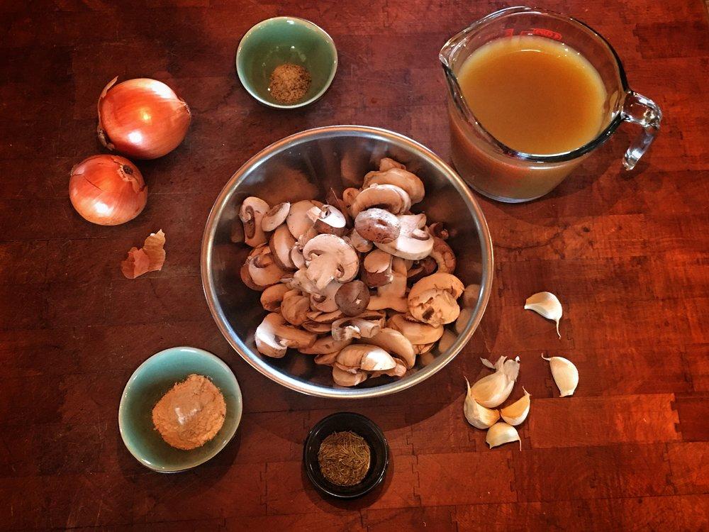 Vegan Recipe: Mashed Potatoes with Mushroom Gravy
