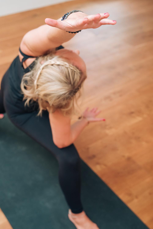 pregnancy-yoga-aisling-milne.JPG