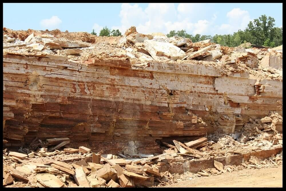 - We operate 4 quarries in the River Valley, each producing a unique stone.  Rainbow Stone Company supplies stone yards all over the United States, with chopped stone, flagstone, tumbled stone, and fieldstone. We quarry full time in four locations, and maintain surface rights at three other locations. We place a strong emphasis on quality control, and customer relations. Many of our dealers have been in business with us for generations. Call us today, we'll be happy to discuss our products and answer any questions you have.