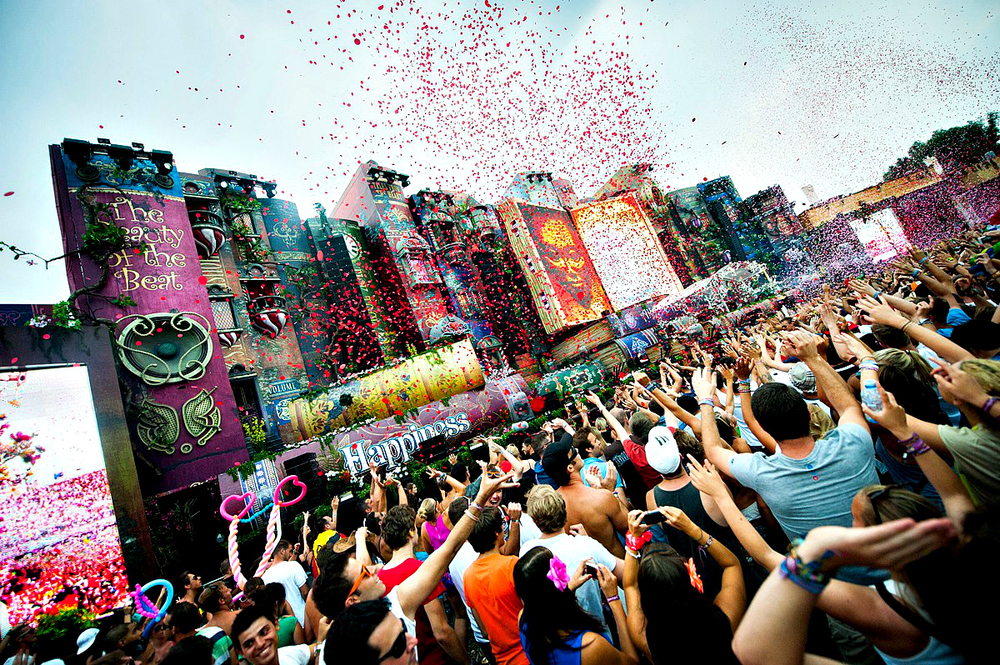 tomorrowland-2013-premovie-youredm.jpeg