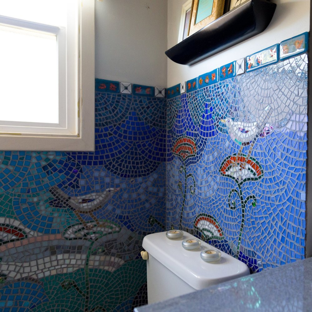 BIRD GARDEN BATHROOM WALL