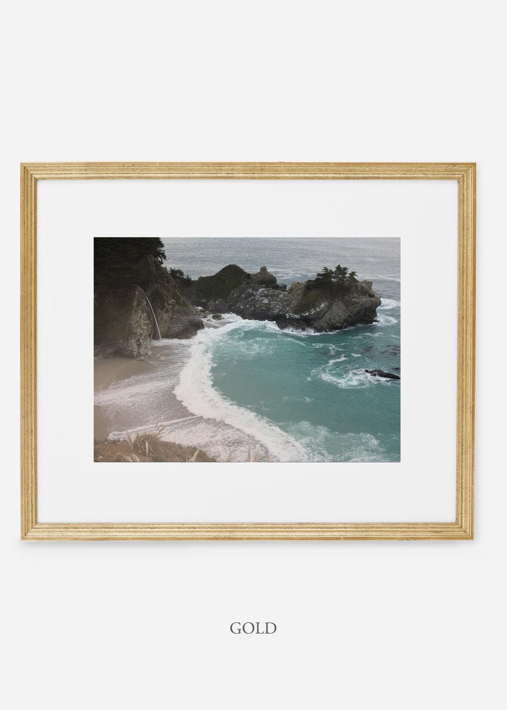 WilderCalifornia_goldframe_interiordesign_oceanprint_BigSurNo.1.jpg