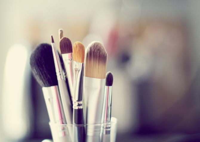 makeup-brushes.jpg
