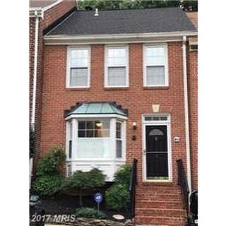 Gorgeous Townhouse for rent in Alexandria!  4 Bedroom, 3.5 Bath, close to King Street Metro & Beltway!  Contact us before this one gets away! $3,300.  103 SHOOTERS CT, ALEXANDRIA, VA 22314