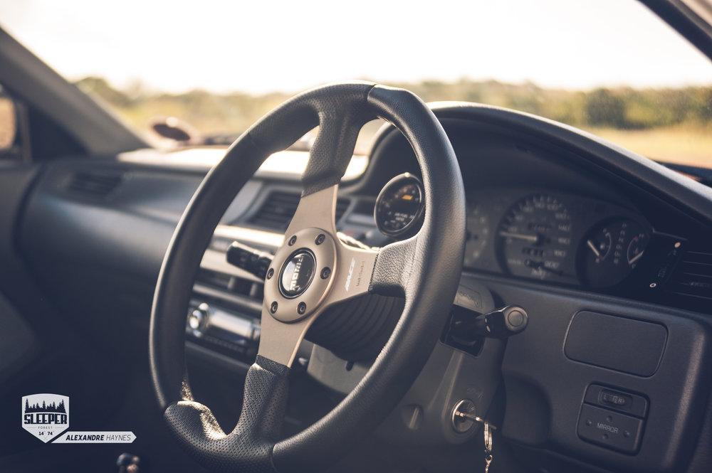 Honda_civic_eg_hatch_momo_steering_wheel