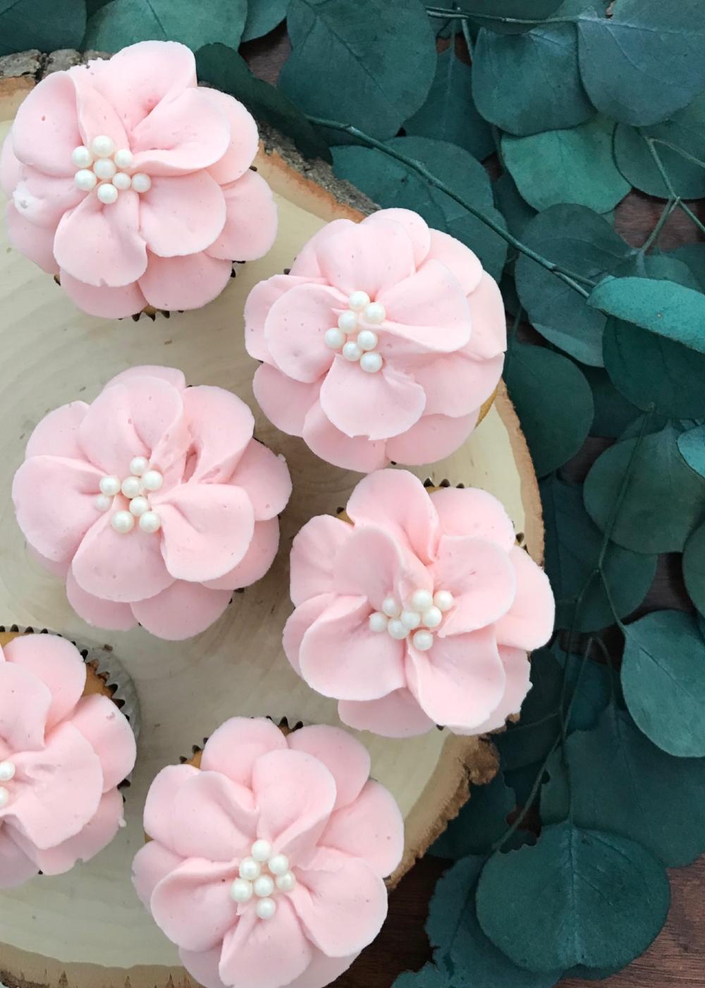 daisy woodsy cupcakes.jpg