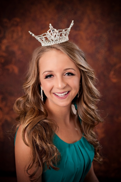 Miss maine's outstanding teen 2016 Madison leslie