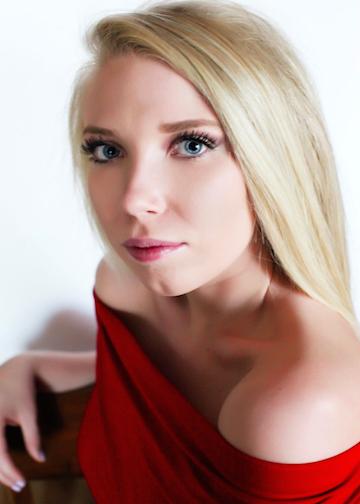 Olivia Mayo Headshot.jpg