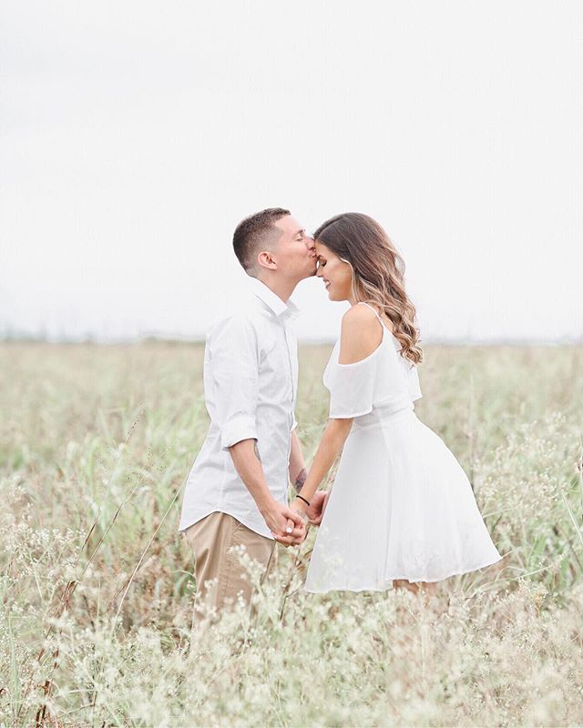 Lately I've been caught up with wedding planning, home designing, working and enjoying this current season as much as possible! 😅 I just noticed that I haven't shown you guys an official post in about a week! With that said, yesterday I got the pleasure of capturing this couples sweet love! (3 months after their elopement!) Looking forward to seeing more of them 🌻✨ enjoy this! May it grace your feed! 💛 . . #miamiblogger #miamiweddingphotographer #lightandairy #lightandairyphotography #miamiweddingplanner #weddingphotography #graceandpeace #engagementring #engagementsession #miamiengagementphotographer #fieldsession