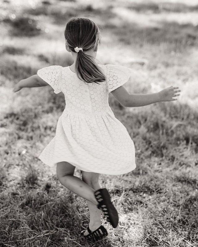 Have a happy (long) weekend everyone! 😍 ⠀⠀⠀⠀⠀⠀⠀⠀⠀ ⠀⠀⠀⠀⠀⠀⠀⠀⠀ ⠀⠀⠀⠀⠀⠀⠀⠀⠀ ⠀⠀⠀⠀⠀⠀⠀⠀⠀ ⠀⠀⠀⠀⠀⠀⠀⠀⠀ ⠀⠀⠀⠀⠀⠀⠀⠀⠀ ⠀⠀⠀⠀⠀⠀⠀⠀⠀ #janeportnoffphototography #adelaidephotographer #barossaphotographer #adelaidehillsphotographer #weddingphotographer #familyphotographer #adelaidefamilyphotographer #twirl #happyweekend #dancelikenooneiswatching