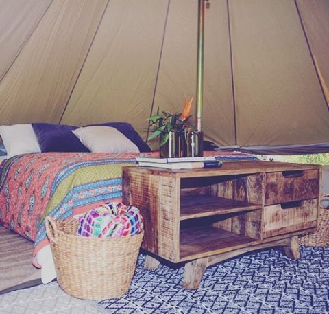 India inspired setup 🏕🙏🏽👌🏼 #glamping #adventure #outdoors #nature #hippiestyle #travel  #camping #sunshinecoast #caloundra #fauxfur #interiordesign #interiordecorating #sustainable
