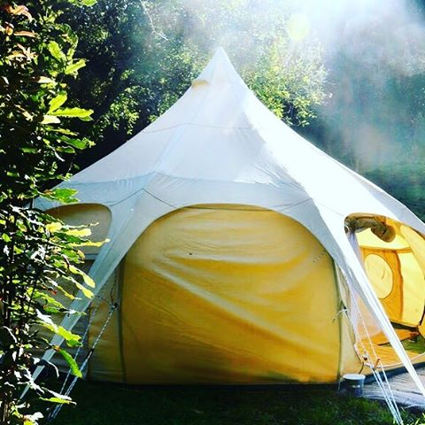 Peaceful morning @ camp with our Bella tent 👌🏼🏕🍃 #glamping #adventure #outdoors #nature #hippiestyle #travel  #camping #sunshinecoast #caloundra #fauxfur #sustainable #interiordesign #interiordecorating #caloundra #mooloolaba #Coolum #wonderlust #getaway #visitsunshinecoast #family #holiday