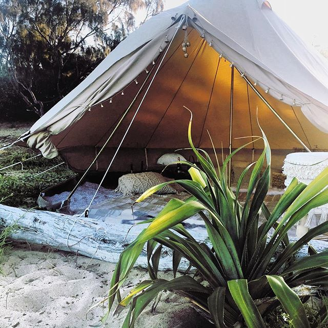 Weekend Glamping Vibes 💜  #glamping #beach #love #holiday #camping #visitsunshinecoast #visitcaloundra #travel #design #styling #photography #happy #beach #flowers #sun #sand #endometriosiswarrior #organic #earthing #hippie #sunshinecoast #wedding #sunshinecoastweddings