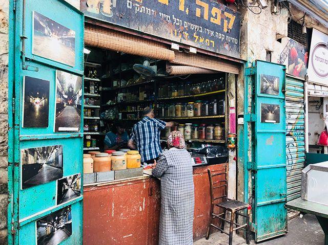 Mahane Yehuda Market . . . . . . #travel #travelphotography #travelphotographer #birthright #shorashim #bus587 #shorashim_bus587 #market #isarel #jerusalem
