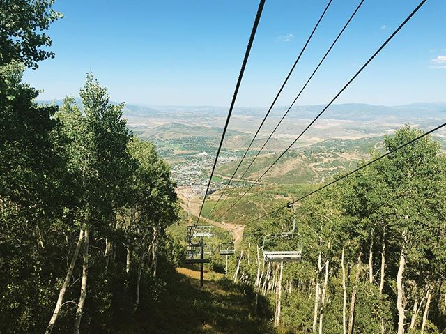 View from the top of the Crescent lift in #parkcityutah . . . #huckdance2018 #travel #parkcity #parkcityresort #chairlift #summer #whereisthesnow.
