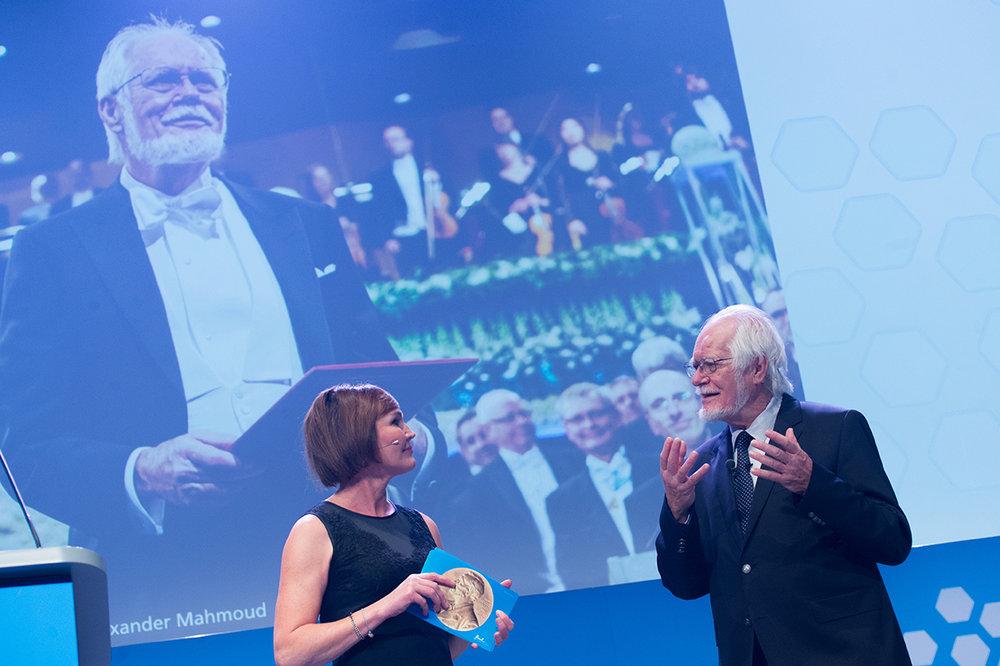 CÉLÉBRATION DU PRIX NOBEL DE CHIMIE 2017:  animation de la soirée en l'honneur de Jacques Dubochet, Prix Nobel de Chimie 2017, à l'Université de Lausanne en présence de 1200 invités, Lausanne, UNIL, 5 février 2018