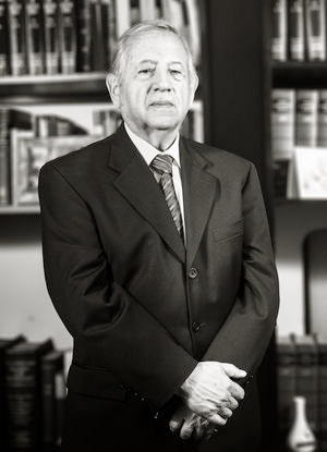 Eduardo Pólit Molestina, Founding Partner.